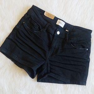 BKE Payton Mid rise Black Shorts curvy fit 27